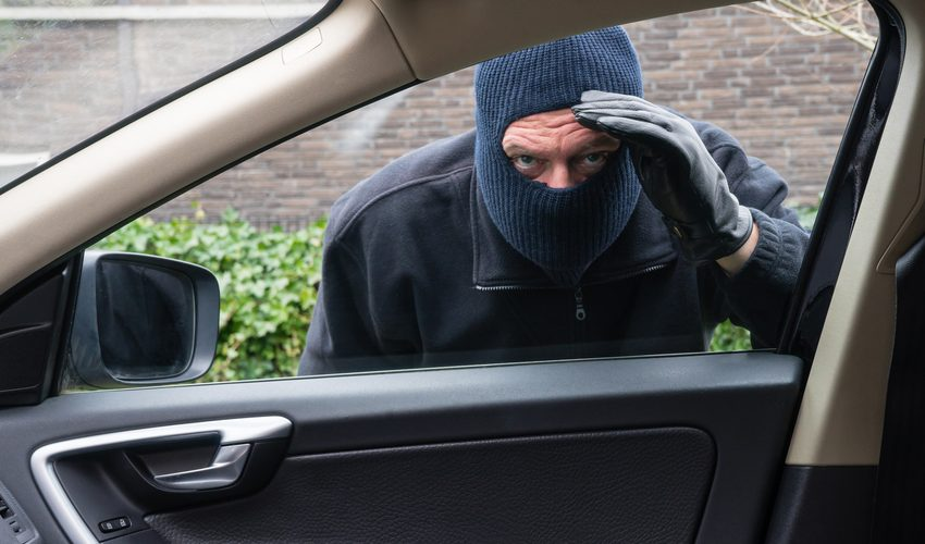 Different tips to protect your car from being theft